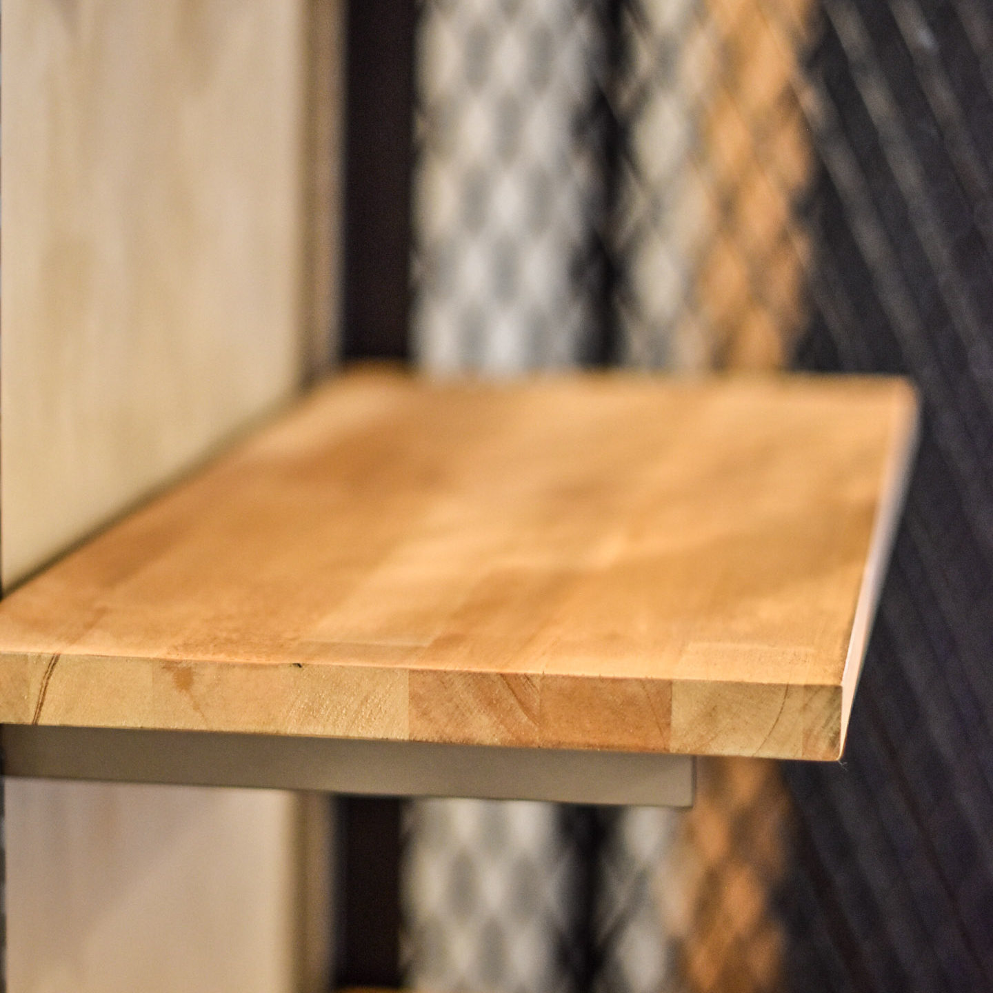 木製棚板とブラケット