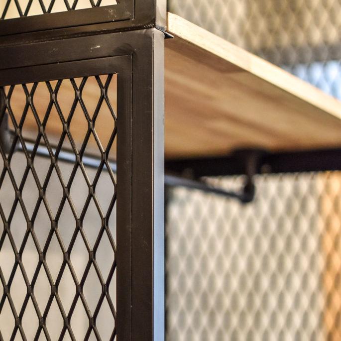 エキスパンドメタルのフレームと棚板